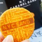 『東京玉子本舗』の大人気「N.Y.キャラメルサンド」は、黒糖風味のキャラメルソースが秀逸!