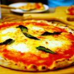 尾道市因島土生町『ピザカフェつばさ』、みょーんと伸びるチーズピッツァは「日本一〇〇」な職人が焼いている!?