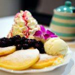 尾道市土堂・尾道商店街内『コーヒーポット』deふわふわホイップクリーム山盛りのブルーベリー・パンケーキ♪