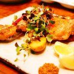 ぷりっぷり牡蠣のアヒージョ、パリッパリ鶏ももコンフィにメロメロ♪尾道駅近『欧風酒場ボラーチョ』