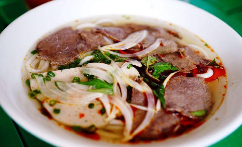 尾道駅前再開発ビル2F『ベトナム料理 ホアンイエン』ベトナム人夫妻が作る本場の味が美味しい!