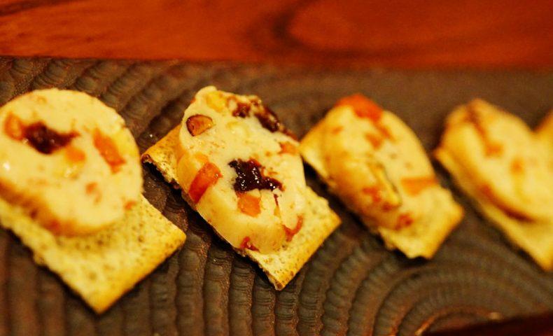 尾道市土堂『BAR MUSK』(バー ムスク)、自家製フルーツバターとスモークナッツでいただくウィスキー♪