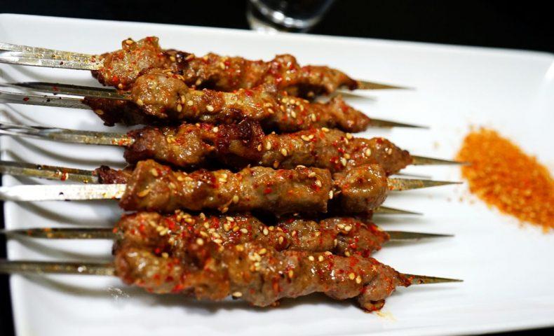 羊肉好吃!福山市南町『福多 羊肉串』でいただける中国東北家庭料理、本場の味に感激♪