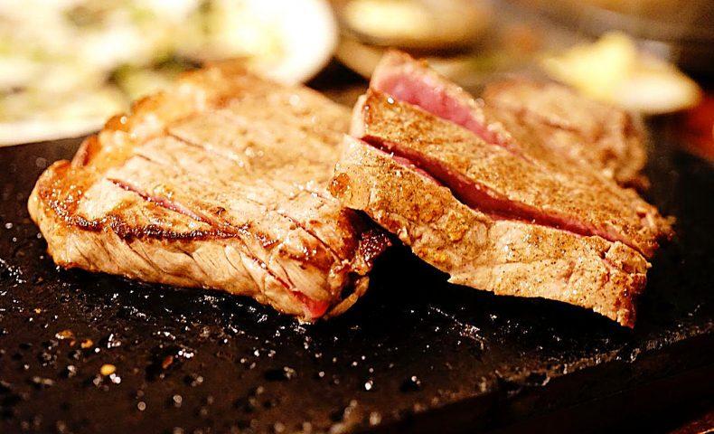 尾道市高須町『おきなわんふ~ど ゆんたく』本格沖縄料理とCOW COWステーキで、ありかんぱーい♪