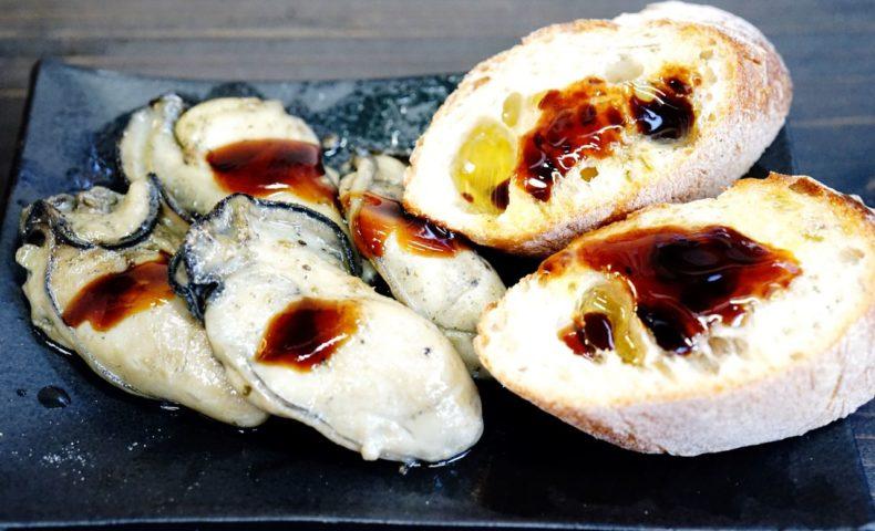尾道海岸通り『でべらーマンの日本酒バー 2018/4/21』、プリプリ牡蠣のアヒージョと燗酒のマリアージュにうっとり♪