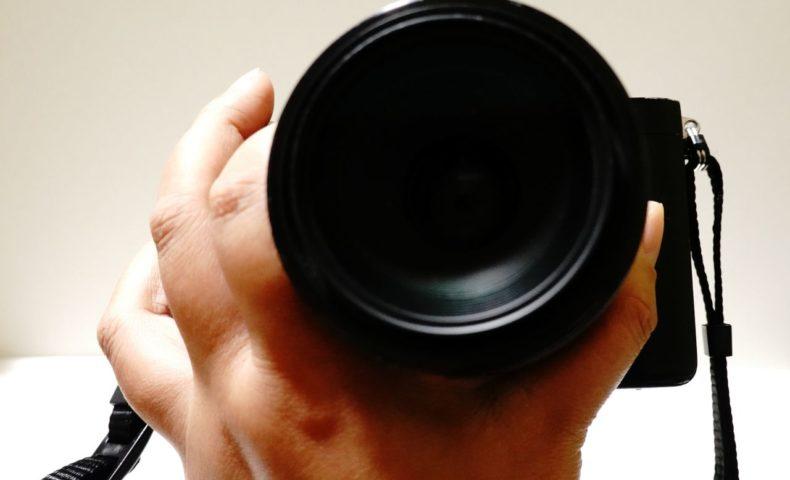 麺リフト写真、おひとりさまが一眼で撮影するカメラの持ち方5指のコツ!これでラーメンもパスタも大丈夫!