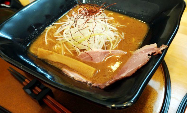 しまなみ海道 大三島『猪骨ラーメン』猪のコクを感じつつの、塩・醤油・味噌すべてがあっさり美味しい!