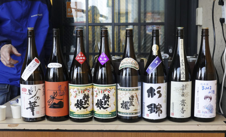 尾道海岸通り『でべらーマンの日本酒バー 2019/4/20』向井隊長のBBQ、でべらーマン特製とんぽうろう!