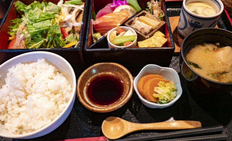 福山市沖野上町『百味三代 吾割安』、1日限定25食の日替「昼御膳」がお得過ぎてビックリ!