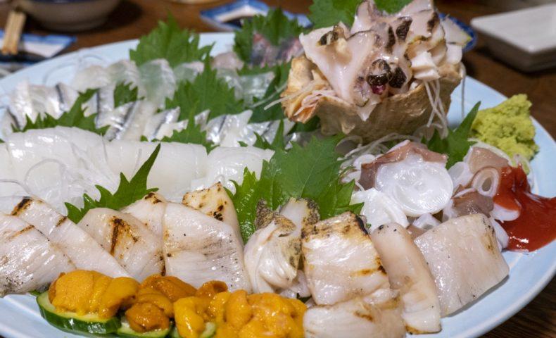 尾道市向島町『とっくり居酒屋』、皮ハギ肝醤油、瀬戸内鮮魚の刺身・天ぷらを堪能♪