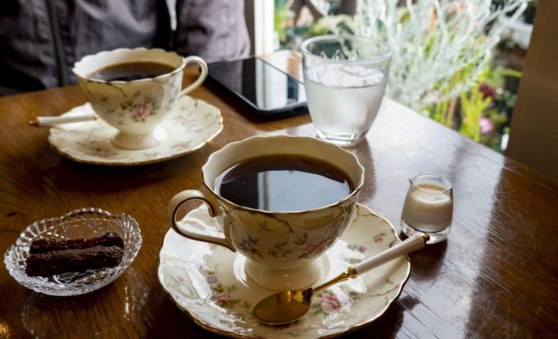 尾道市向島『カフェ・ド・フォレスト』サイフォン珈琲と自家製かりんとうが美味しい♪